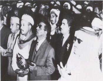 الشيخ عبد الله و الفريق حسن العمري والسيد أحمد الشامي عضوي المجلس الجمهوري و العقيد محمد شايف جار الله أثناء زيارة للملكة العربية السعودية 1971م بعد الاعتراف من المملكة بالنظام الجمهوري في اليمن .