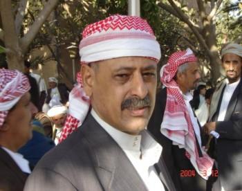 الأستاذ عبد الله المقطري عضو مجلس النواب مستقبلاً الشخ عبد الله 11/11/2004م