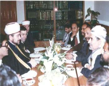 الشيخ عبد الله يزور مركز الجالية الإسلامية في موسكو أثناء زيارته البرلمانية لروسيا في ديسمبر 1996م