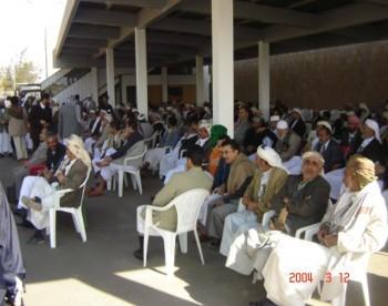 الصالات الخارجية لمطار صنعاء أكتضت بالمستقبلين مشائخ وشخصيات سياسية وحزبية