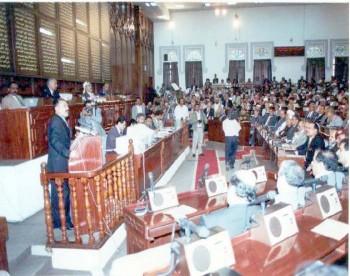 رئيس الجمهورية يحرص على الحضور إلى مجلس النواب بين الفترة والأخرى