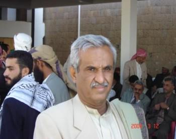 لحظات الانتظار لوصول الشيخ عبد الله بن حسين الأحمر 11/11/2004م