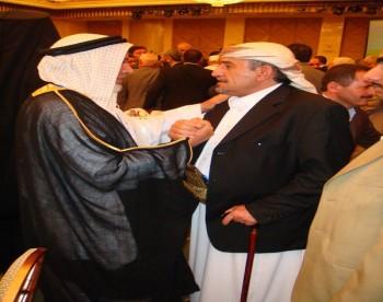 الشيخ صادق مع الدكتور حارث الضاري رئيس هيئة علماء المسلمين السنة بالعراق  فى مؤتمر القدس السادس بالدوحة 13-10-2008 (1)