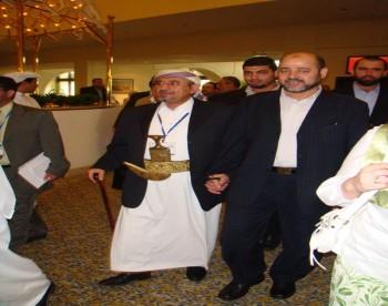 الشيخ صادق  مع الدكتور موسي ابو مرزوق نائب رئيس المكتب السياسي لحركة حماس فى مؤتمر القدس السادس بالدوحة 11-10-2008