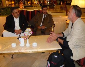 الشيخ صادق مع الاستاذ خليل علي النس رئيس منظمة الدفاع وكسر الحصار عن غزة 12-10-2008