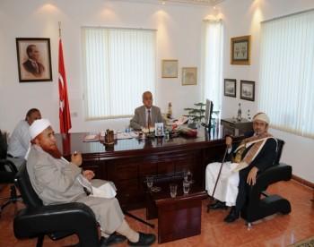 الشيخ صادق يزور السفارة التركية تأييدا لمواقف تركيا تجاه الصهاينة
